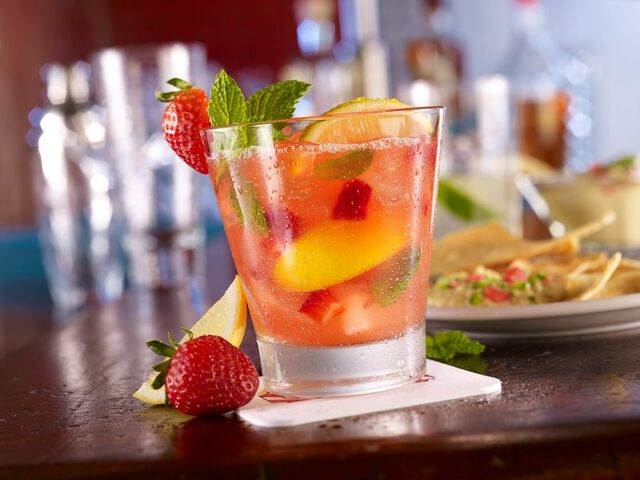 File:Strawberry Rum Smash.jpg