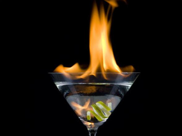 File:Halloween-cocktail-cocktails-21811260-588-441.jpg