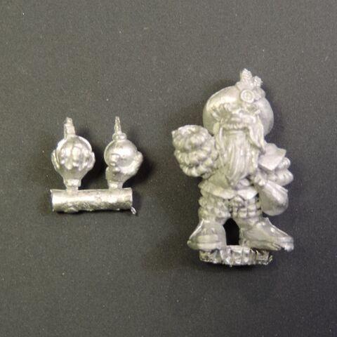 File:WKD-51 Dwarf Inventor With Handgrenade.jpg