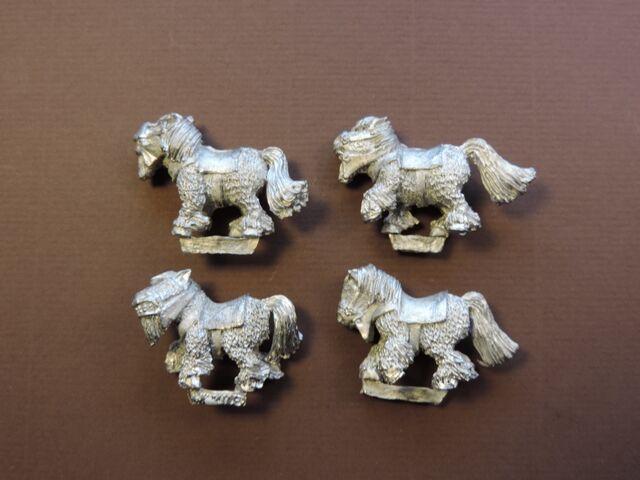 File:Ponies - left side.jpg