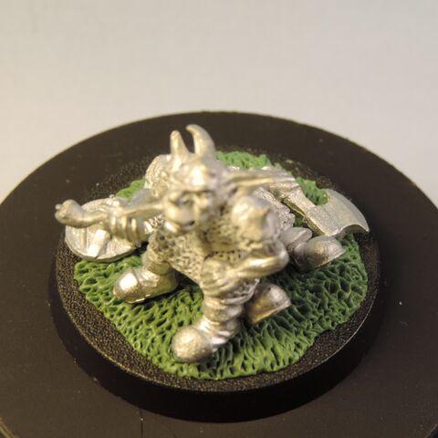 File:Goblin on dead dwarf 6.jpg