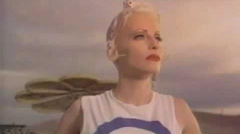 Tank Girl (1995) - Trailer