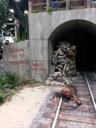 Sdcc2014-twd tunnel