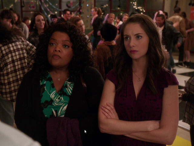 File:4x08-Shirley Annie not amused.jpg