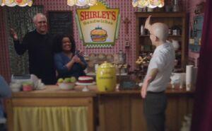 S03E22-Shirley Sandwich opening