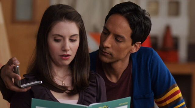 File:1x17 Annie and Abed3.jpg