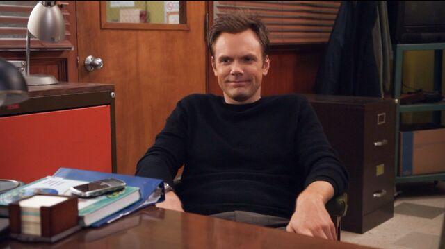 File:1x14 Jeff in Pelton's office.jpg