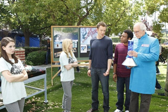 File:2x2 Jeff, Troy, Pierce, Annie, Britta.jpg