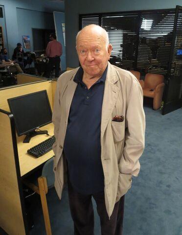 File:Joel McHale TV Insider Community Season Six Selfies 9.jpg