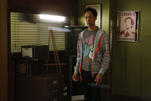 File:4x13 Promotional photo 16.jpg