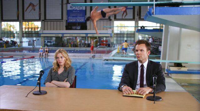 File:1x5 Jeff and Britta pool.jpg