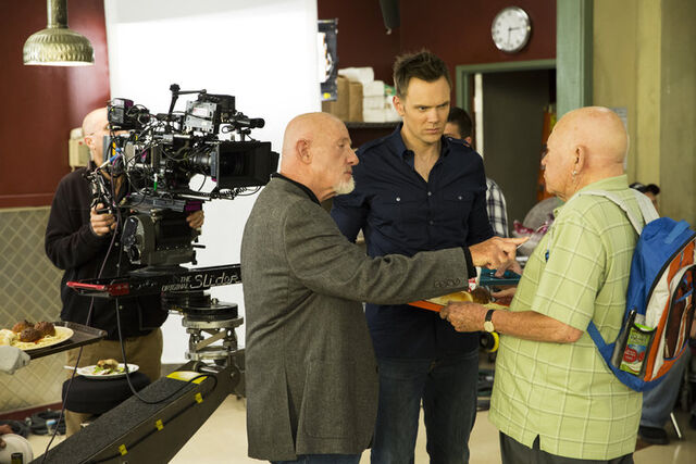 File:5x2 Behind the scenes photo 1.jpg