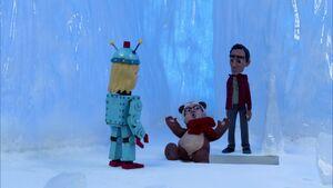 S02E11-Teddy Pierce falling