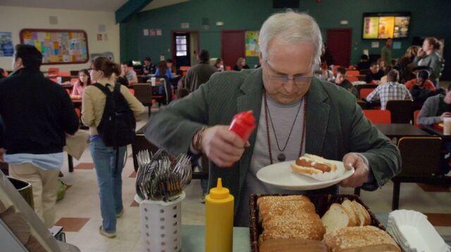 File:1x1 Pierce VS the hotdog3.jpg