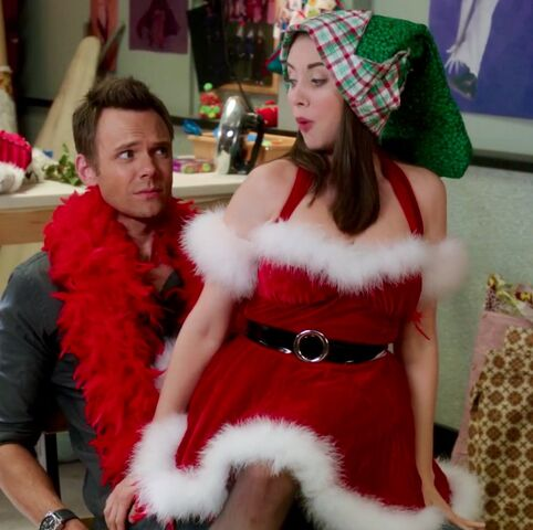 File:Glee Annie.jpg
