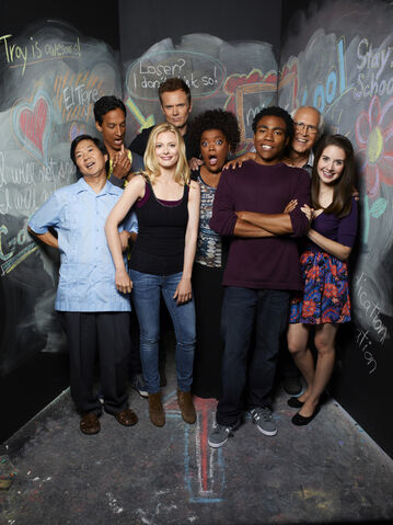 File:Community Season Two promotional cast photo 2.jpg