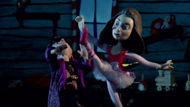 File:S02E11-Ballerannie kicking Wizard.jpg