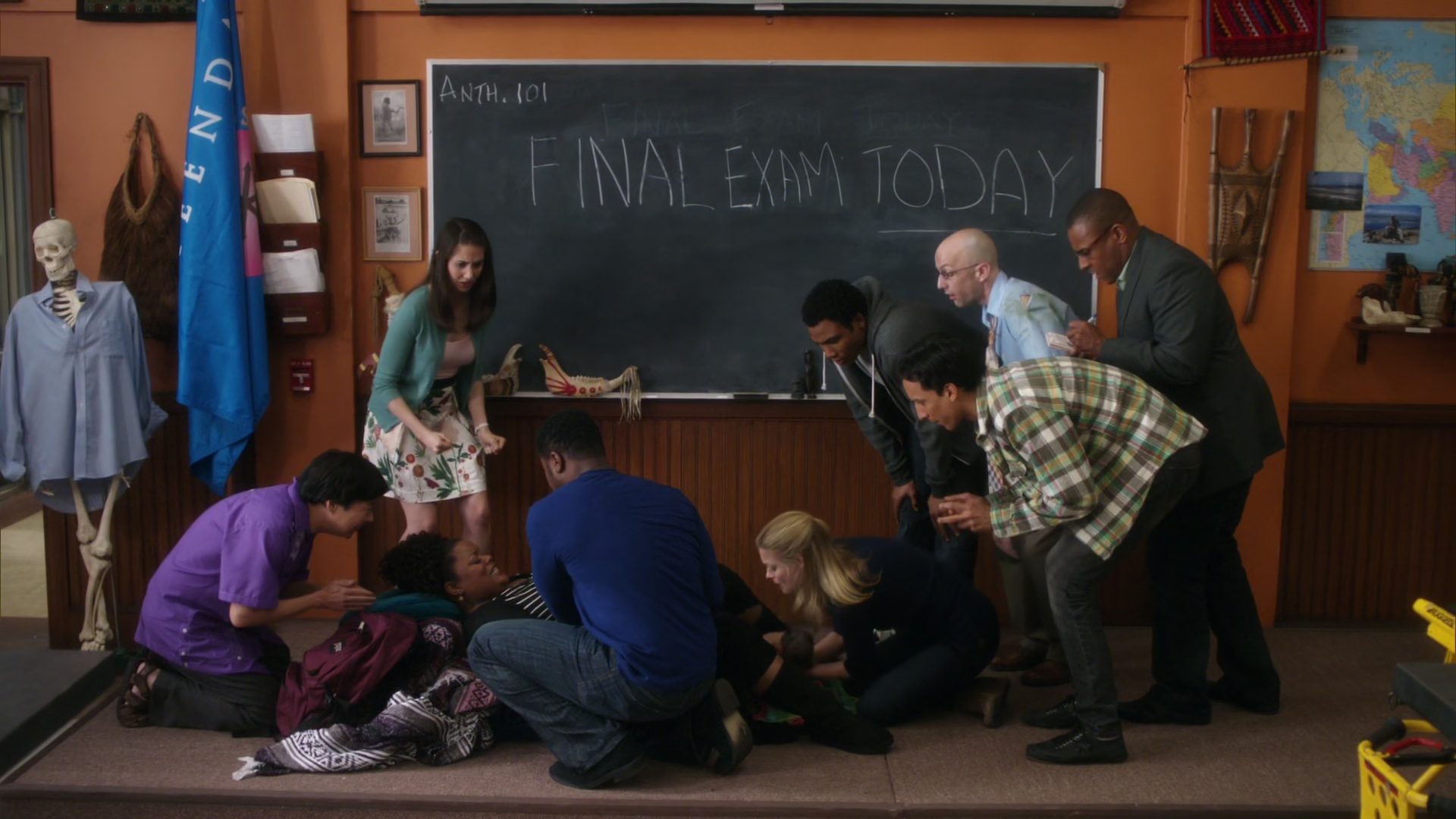 File:2x22-Chang Annie Shirley Andre Ben Britta Troy Abed Dean Pelton Reporter.jpg