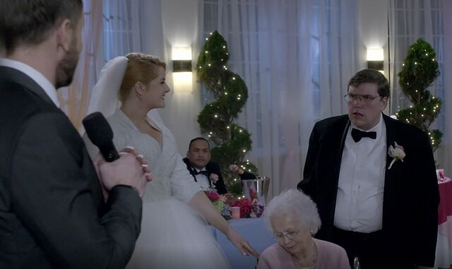 File:S06E12-Stacy with Meemaw and Garrett.jpg