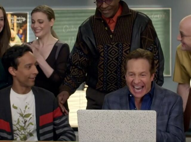 File:S06E08-The viewing.jpg