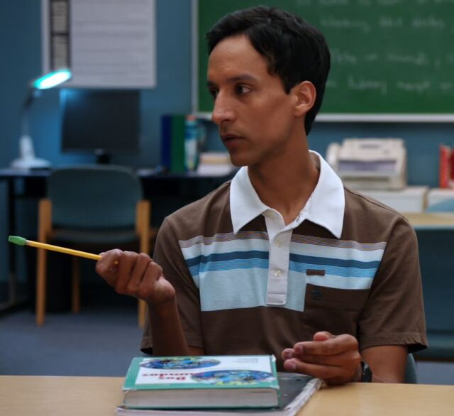 File:1x5 Abed pencil point.jpg