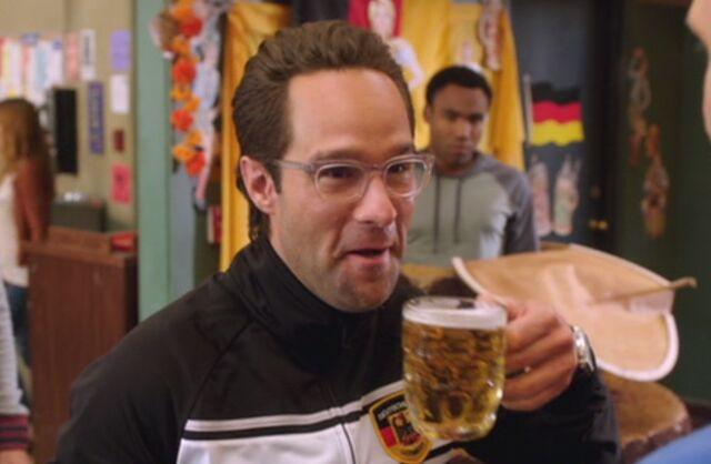 File:S04E04-Reinhold beer.jpg