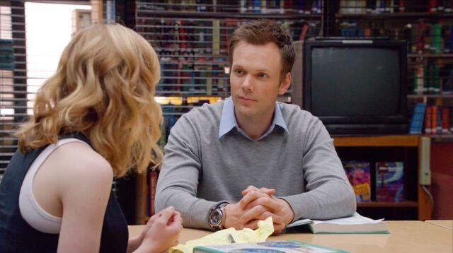 File:1x1 Britta and Jeff talking1.jpg