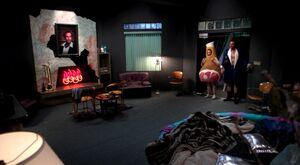 Mansion Pierces room