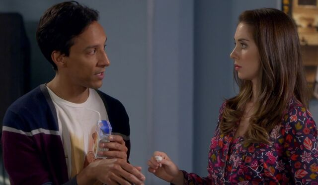 File:S06E02-Abed and Annie treat cut.jpg