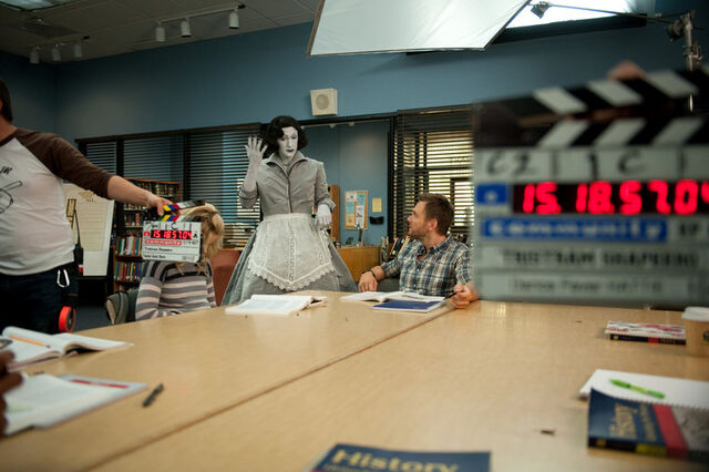 File:4x8 Behind the scenes photo 9.jpg