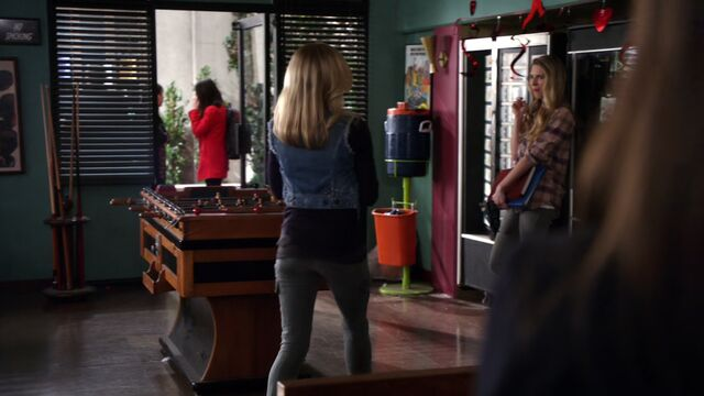 File:S02E15-Britta Page foosball table.jpg