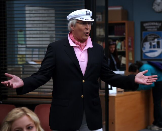 File:S01E19-Pierce sailing outfit.jpg