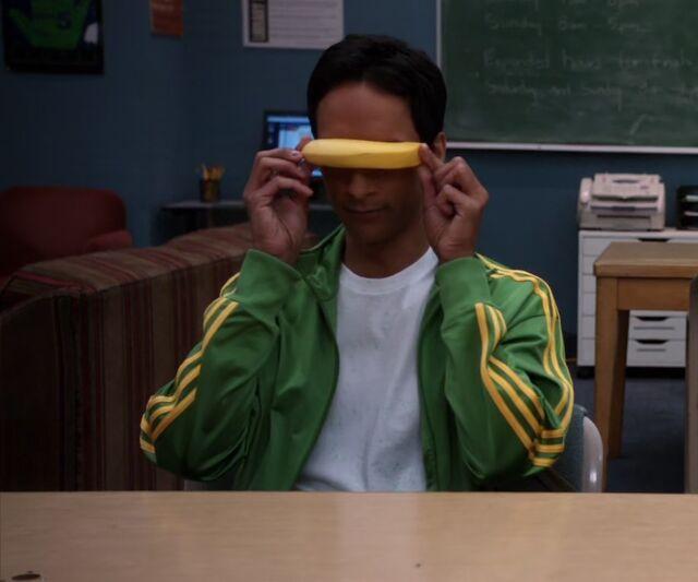 File:S01E25-Abed-Banana Levar Burton.jpg