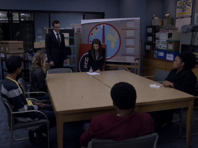 File:5x01-Annie signs Abed Britta Jeff Troy Shirley.jpg