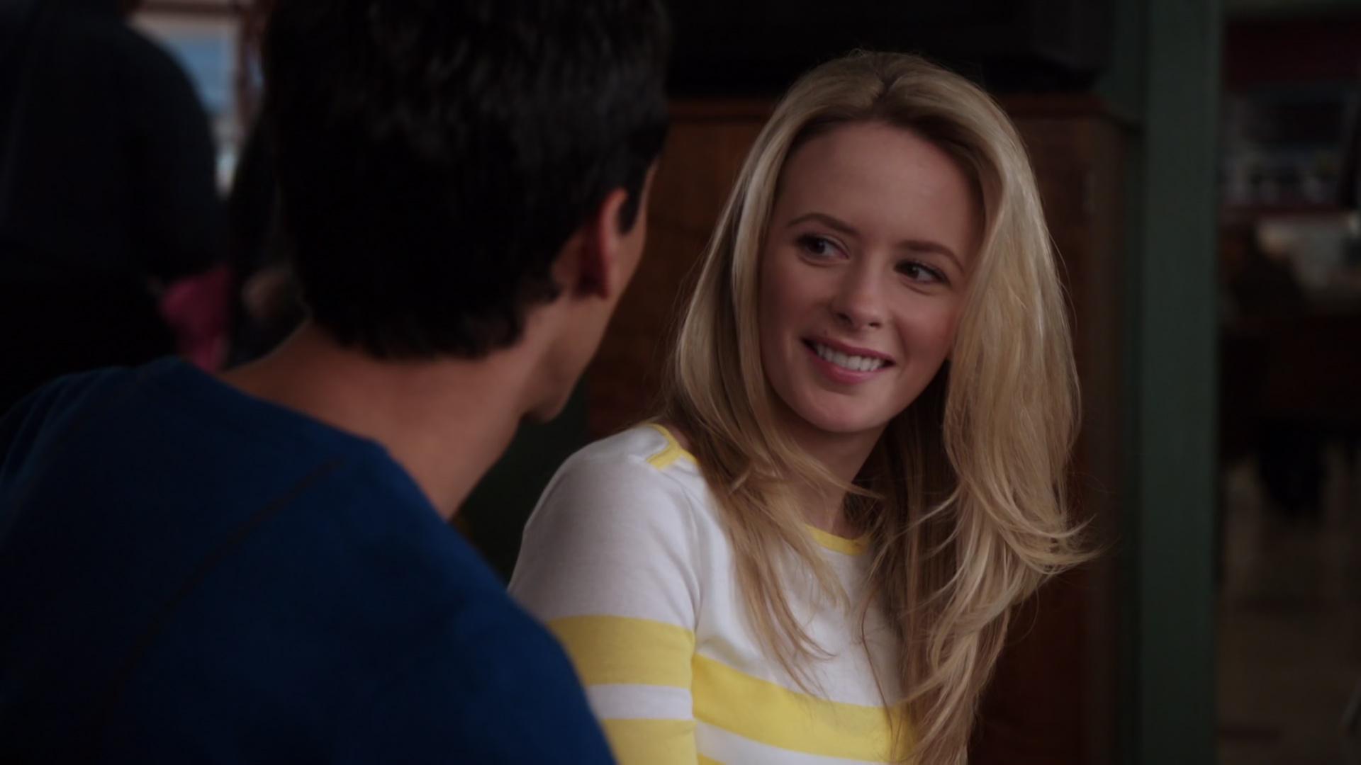 File:1x17-Abed hits on Jenny.jpg