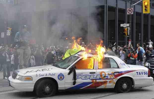 File:G-20 Toronto riot.jpg