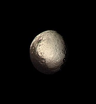 File:Iapetus by Voyager 2.jpg