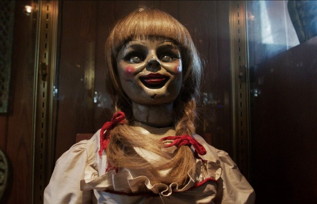 File:The-conjuring-annabell-the-doll-face-glass-case-620x400.jpg