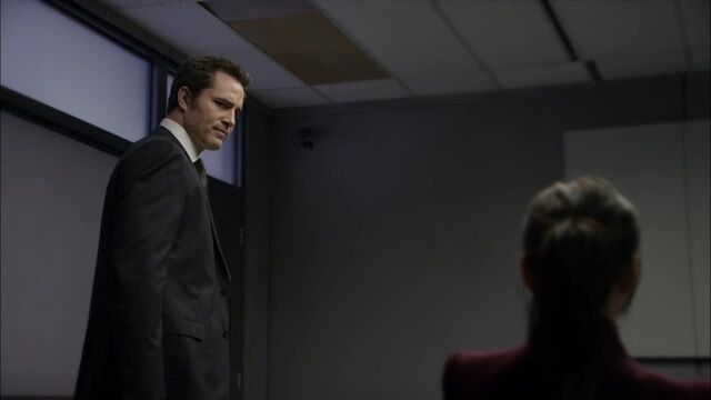 File:1x02 interrogation.jpg