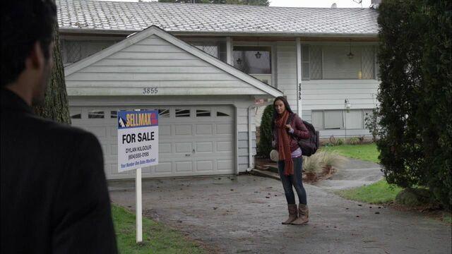 File:1x02 kellog residence.jpg