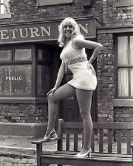 File:Bet lynch julie goodyear 1970.jpg