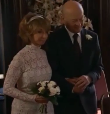 File:Ted gives Gail away 2010.png