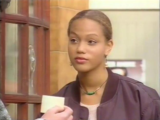 File:Episode 3929 (1st November 1995).jpg