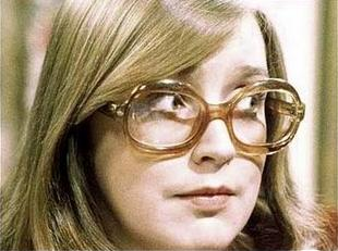 File:Deirdre barlow 50th.jpg