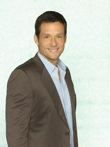 File:Josh-hopkins-as-grayson-ellis.jpg