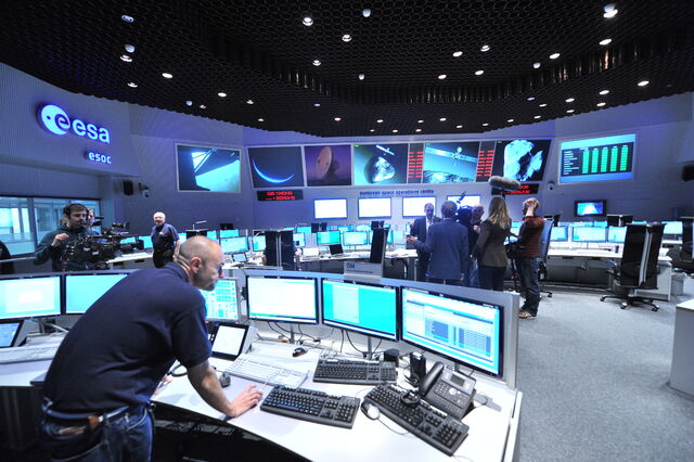 File:Views in the Main Control Room (12052189474).jpg