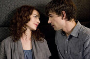 Covert-affairs-auggie article story main