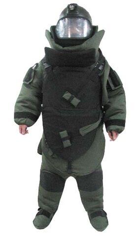 File:Bomb-disposal-suit-bd2009-1-.jpg