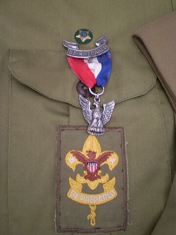 File:Eagle Scout medal on an old U.S. Scout uniform.jpg