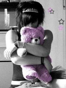 Sad emo girl 3 .jpg 480 480 0 64000 0 1 0